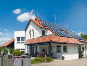 DEHNcon-H – ochrona instalacji PV na dachu dwuspadowym