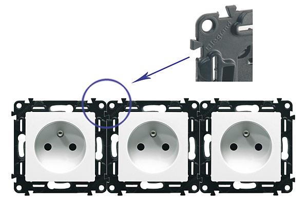 Rys. 3. Wypusty montażowe zapobiegające przesuwaniu się poszczególnych mechanizmów podczas przykręcania