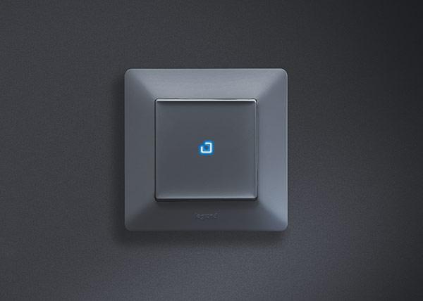 Rys. 4. Łącznik oświetlenia w wersji z diodowym podświetleniem klawisza