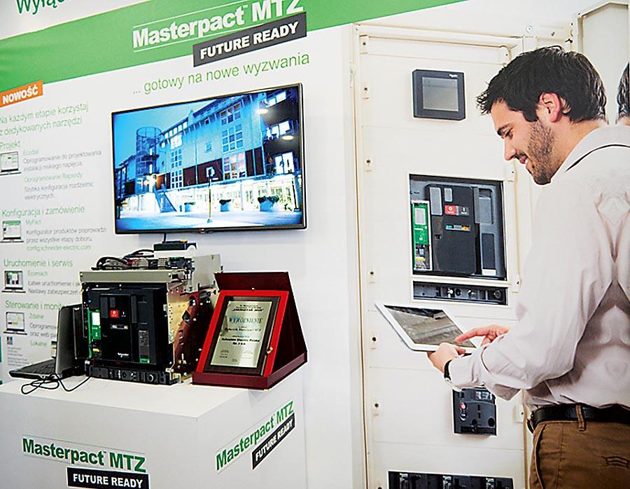 Masterpact MTZ jako część architektury EcoStruxure umożliwia budowanie systemów w oparciu o IoT. Rozwiązanie zostało wyróżnione podczas Targów Energetab 2018