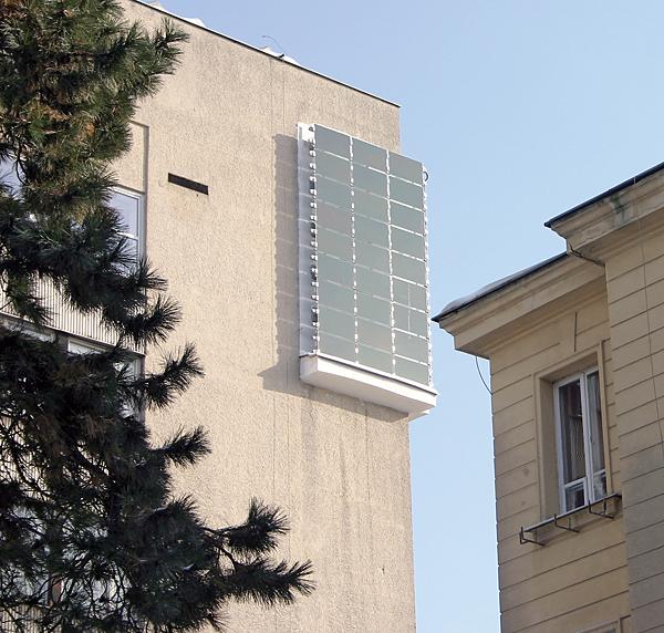 Instalacja fotowoltaiczna na fasadzie budynku – strona zachodnia