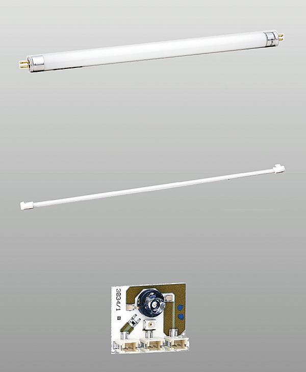 """Rys. 1. Źródła światła stosowane w oświetleniu ewakuacyjnym. Od góry: lampy wyładowcze (świetlówki) z """"gorącą"""" katodą, lampy wyładowcze (świetlówki) z """"zimną"""" katodą, dioda LED"""