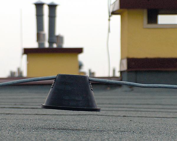Rys. 9. Nieprawidłowa instalacja wsporników dachowych