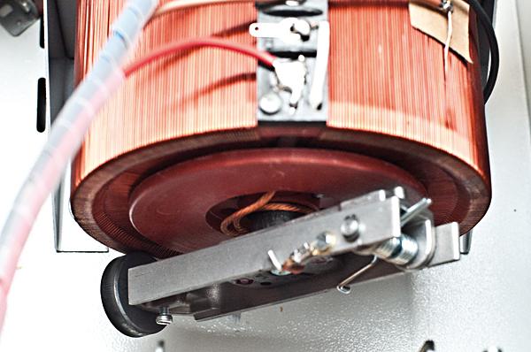 Rys. 2. Rolka poruszana przez serwomotor po autotransformatorze