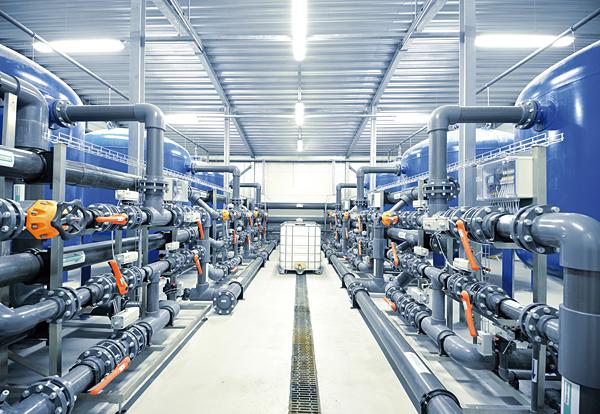 Pomiarowe przetworniki prądu ACT20P CMT umożliwiają pomiar i jednoczesne monitorowanie prądów podłączonych obciążeń. Pozwala to zapobiegać przeciążeniom np. w silnikach, urządzeniach i przenośnikach. Można również uniknąć uszkodzeń spowodowanych zmniejszeniem wydajności np. w wentylatorach, obwodach oświetlenia, układach ciepła lub ciągach fotowoltaicznych