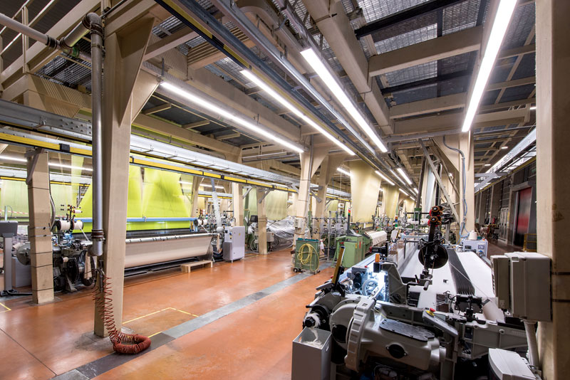 Rys. 3. System oświetlenia hali przemysłowej w oparciu o rozwiązania firmy Gewiss