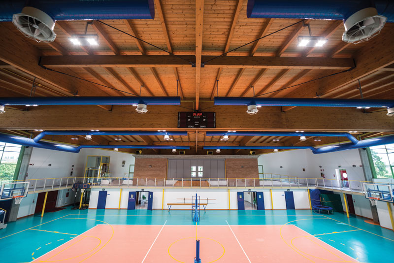 Rys. 7. Hala sportowa oświetlona z użyciem rozwiązań firmy Gewiss
