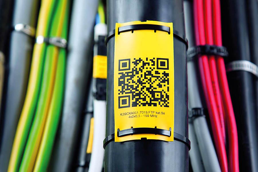 Na płaskich, elastycznych oznacznikach PPQ oprócz tekstu można np. umieścić kod QR