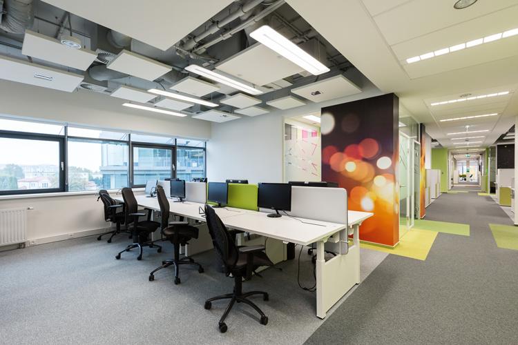 W projekcie zastosowano produkty i rozwiązania oświetleniowe Philips Lighting. Doświadczenie pracowników związane z ich codziennym testowaniem przełoży się na lepsze rozumienie potrzeb klientów i bardziej efektywne wdrożenia