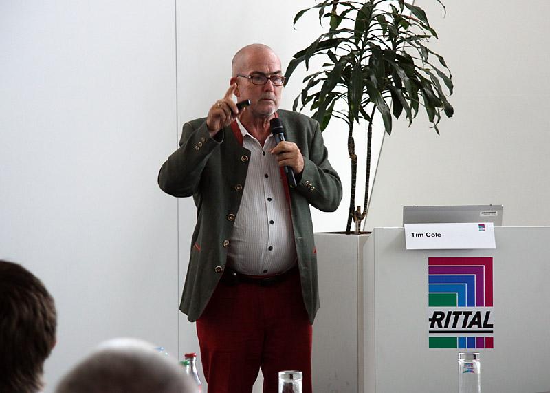Cyfryzacja, usieciowienie i mobilność to trzy megatrendy XXI wieku - stwierdził na Dniach Praktyki IT Rittal publicysta IT Tim Cole.