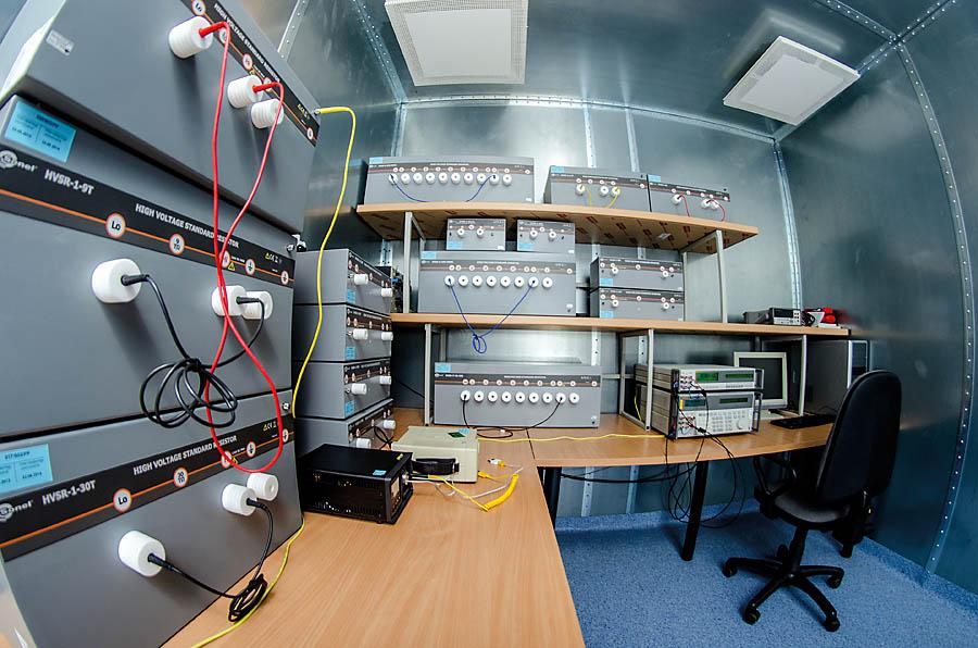 Klatka Faradaya w Laboratorium Badawczo – Wzorcującym firmy Sonel