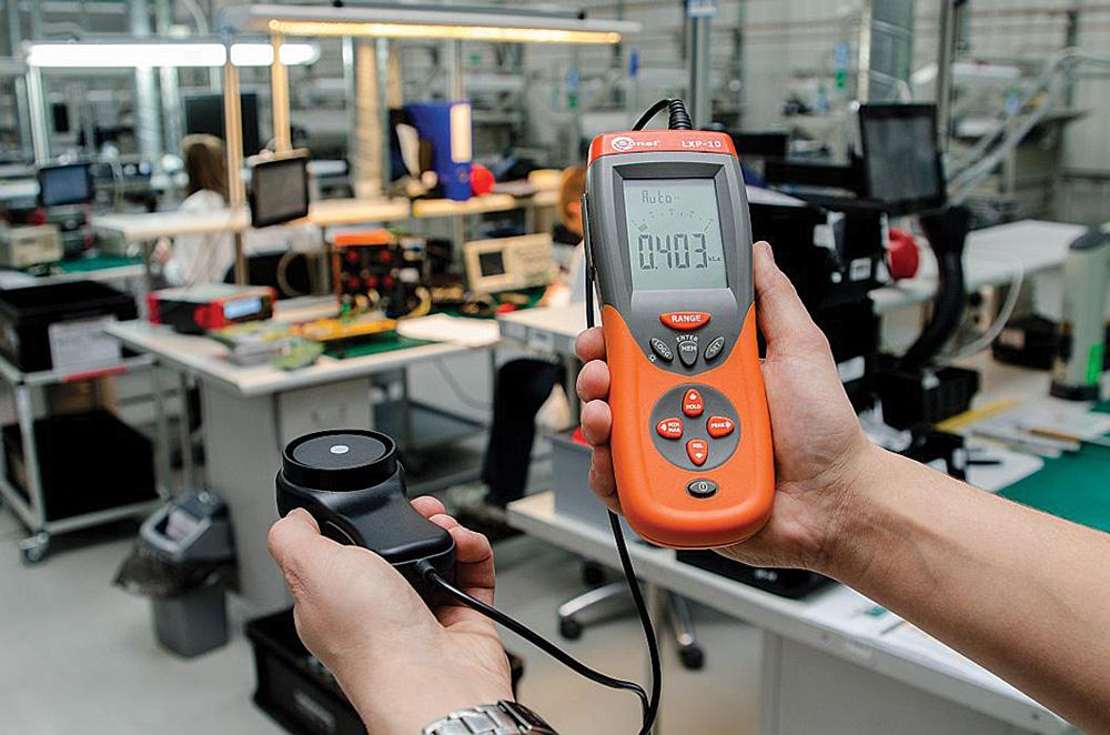Rys. 5. Luksomierz LXP-10 firmy Sonel – pomiar