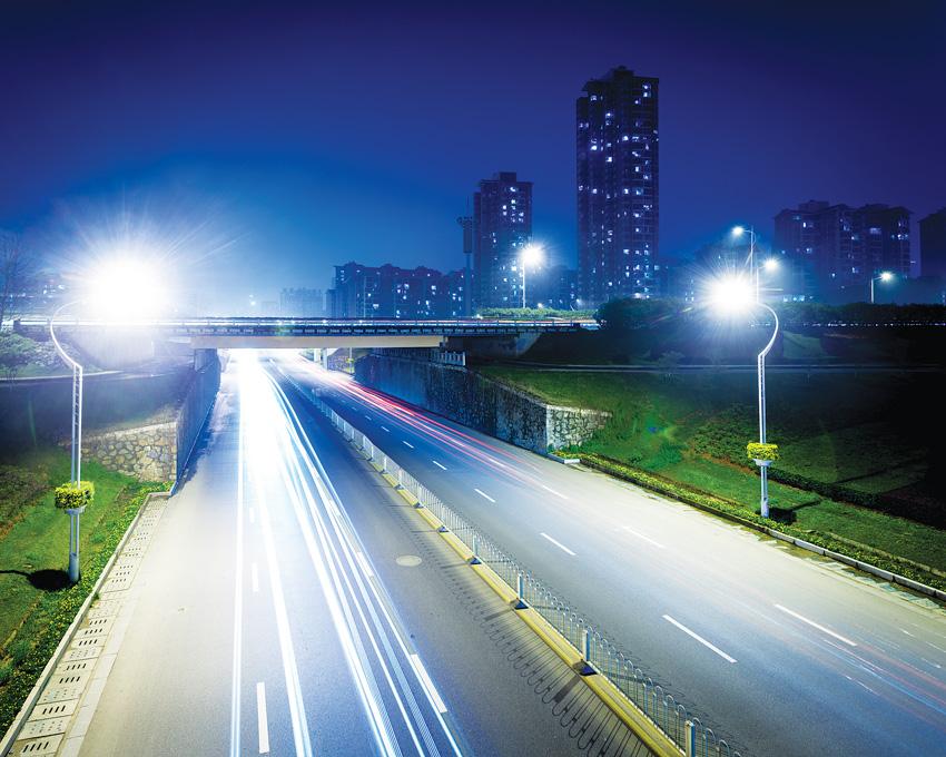 Rozwiązania Gewiss oferują możliwość projektowania inteligentnych systemów oświetleniowych do oświetlenia ulic i obszarów zabudowanych