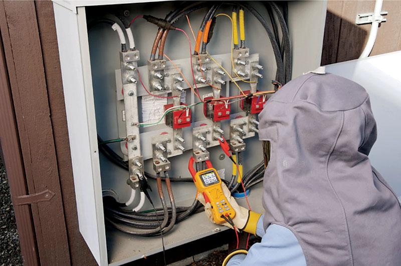 Rys. 2. Pomiar jakości energii elektrycznej z wykorzystaniem Fluke 345