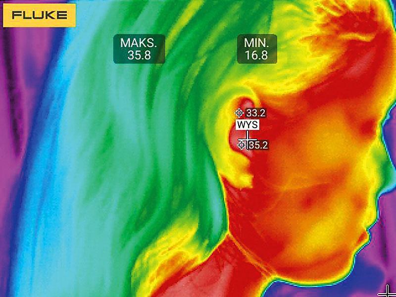 Rys. 7. Pomiar temperatury przy pomocy kamery termowizyjnej (rozdz. 320x240 pikseli) z odległości powyżej 50 cm (wartość zmierzona: 35,8oC)