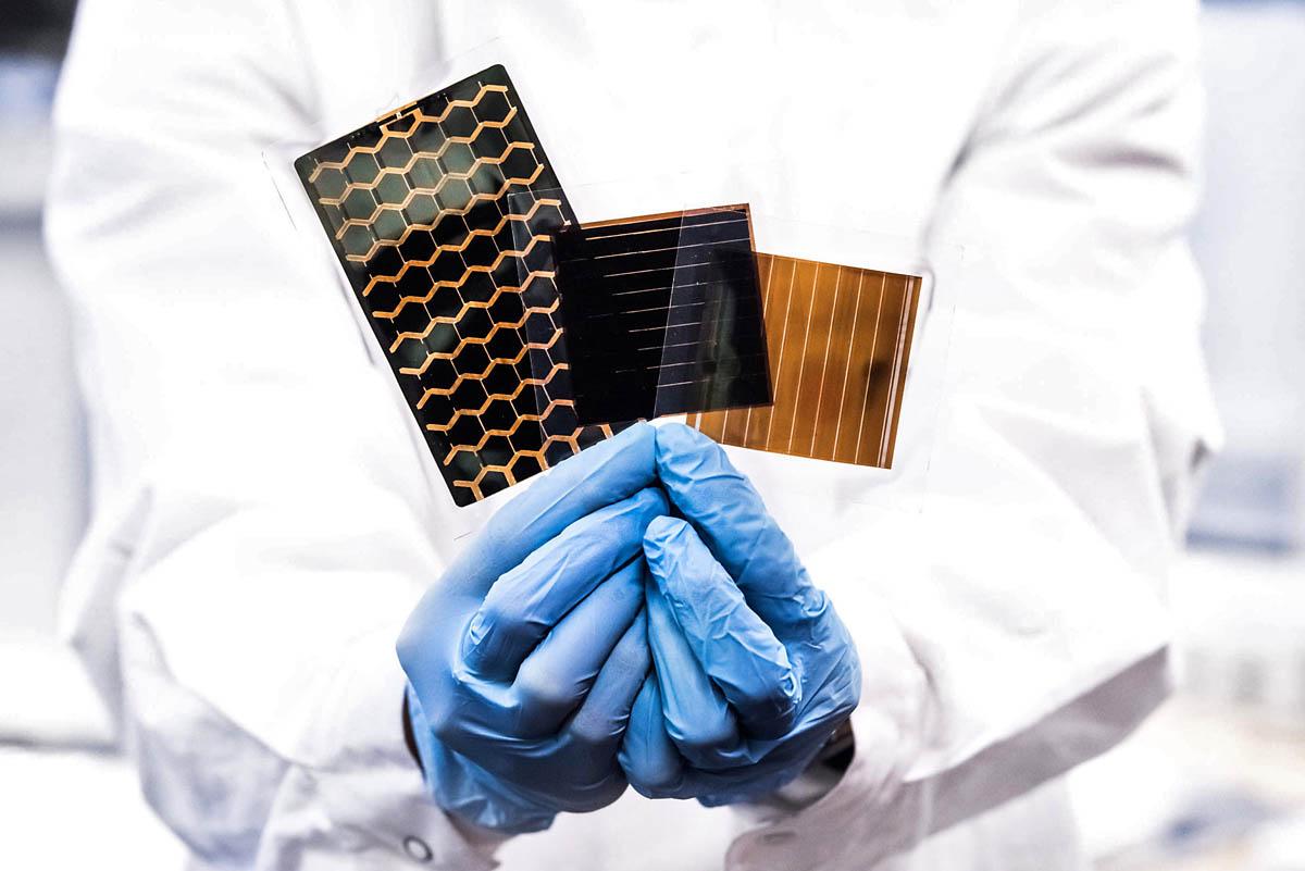 Różne wzory perowskitowych ogniw fotowoltaicznych