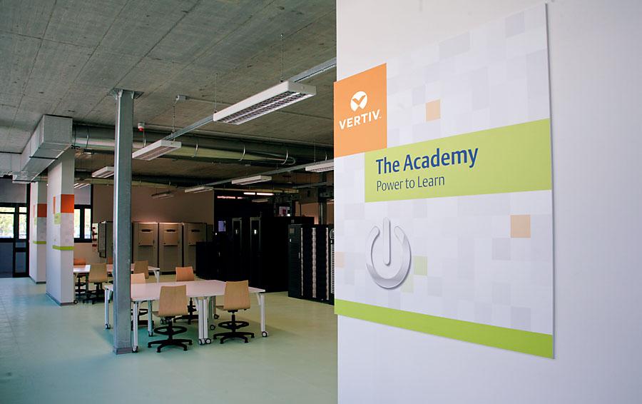 Istotną rolę w Customer Experience Center koło Bolonii odgrywa także Akademia