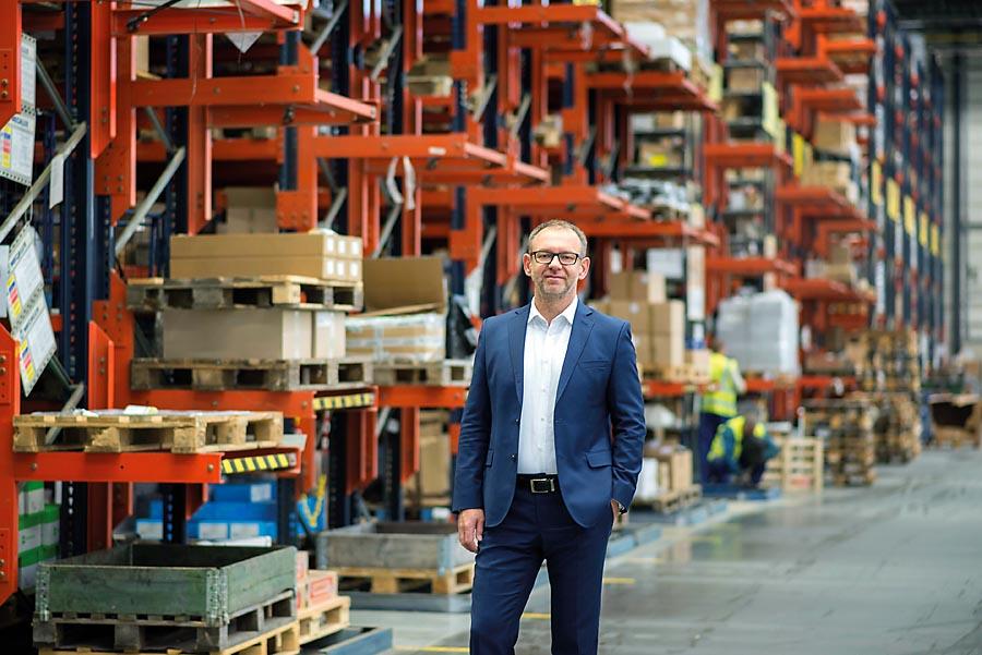 Magazyn centralny dostarcza towary do 36 punktów sprzedaży Onninen oraz bezpośrednio donaszych profesjonalnych partnerów, w tym klientów OnnShop – informuje Wiktor Kępiński